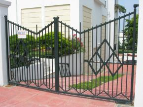 Gallery - Opening Yard Door. Εφαρμογή ανοιγόμενου μηχανισμού & ΚΑΤΕΕ - Opening Yard Door